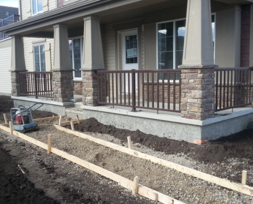 CSW Brown Wide Picket Railing